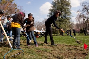 First Lady Michelle Obama breaks ground for White House Garden