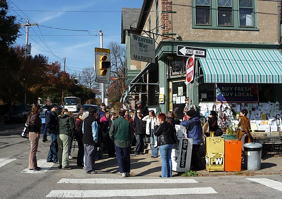 APHA members tour the Weaver's Way Co-op in Philadelphia in November 2009.